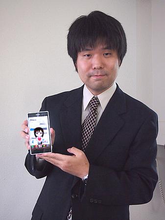 「スマートメイちゃん」を紹介する山本大介准教授